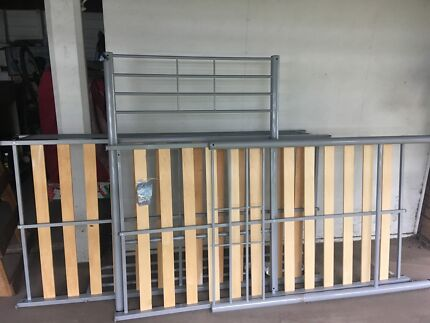 Single bed bunk excellent cond, dismantled for pickup Corinda