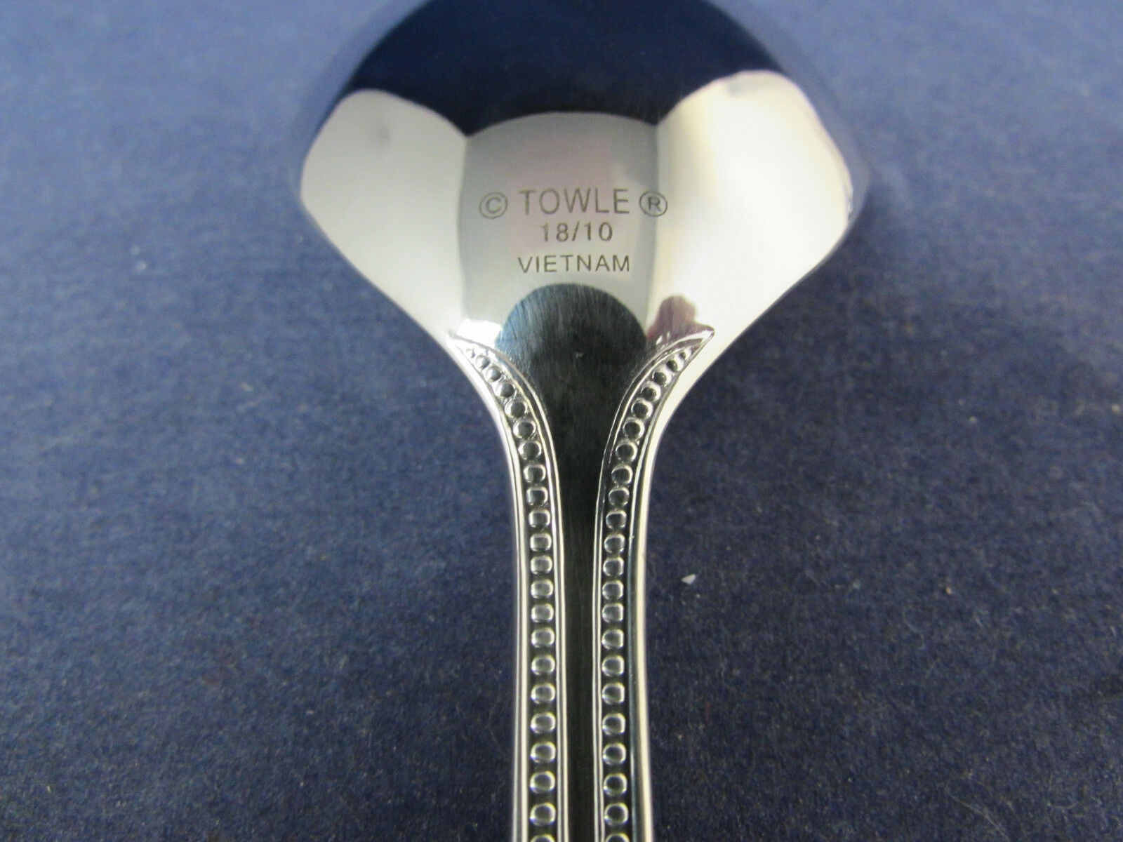 Silverware NEW Your Choice Towle BEADED ANTIQUE 18//10 Stainless Flatware