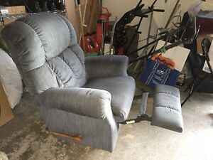 Rocking or recliner chair single seat comfortable sofa chair!