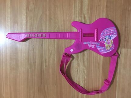 Barbie princess and the pop star electric guitar