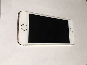 iPhone 5s / Gold / 16gb / Perfect Condition !!