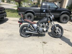 1994 Kawasaki 750ltd mad into a bober 1400$