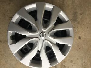 Nissan steel wheels and Nissan hubcaps