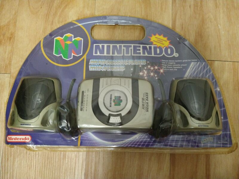 New AM/FM CASSETTE PLAYER with headphones and Speakers NINTENDO