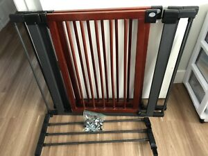 SPPU. 2 Wood/Metal Baby Gates