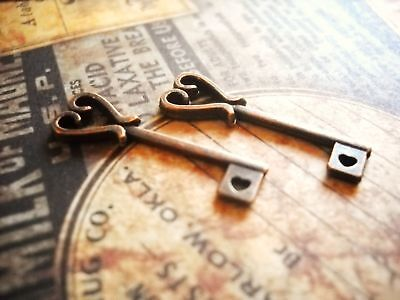 Key Charms (10 Heart Key Charms Antiqued Copper Tone Steampunk Pendants)