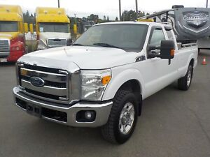 2012 Ford F-250 SD XLT SuperCab Long Bed 4WD with Headache Rack
