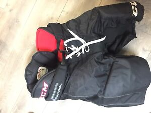 CCM senior medium hockey pants