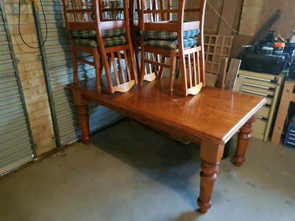 Solid wood six seater dining table with chairs 1.8 x 1.0 x 0.8