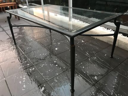 FREE DELIVERY IN SYDNEY - large glass coffee table
