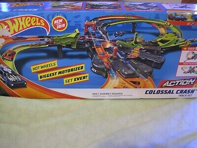 2019 HOT WHEELS COLOSSAL CRASH TRACK SET--NEW--FACTORY SEALED