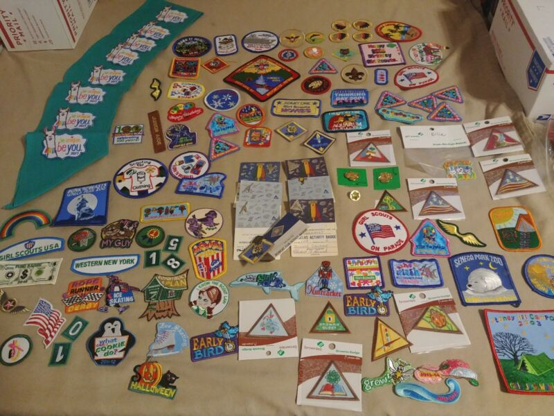 Boy/girl Scout 109 Patches and 10 pin lot