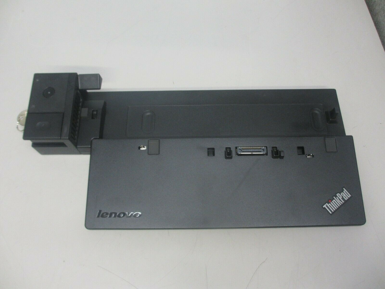 Lenovo Thinkpad Pro Dock 40A1 SD20A06042 Laptop Docking Station w/ Key