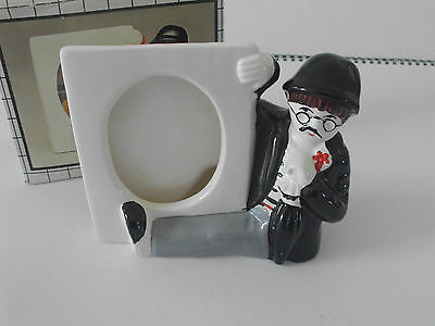 Bilderrahmen aus Keramik, Retro, Mann mit Melone und Brille, weiß-schwarz-grau