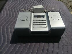 iHOME - IH8 AM/FM Clock Radio Speakers for iPod (Silver)