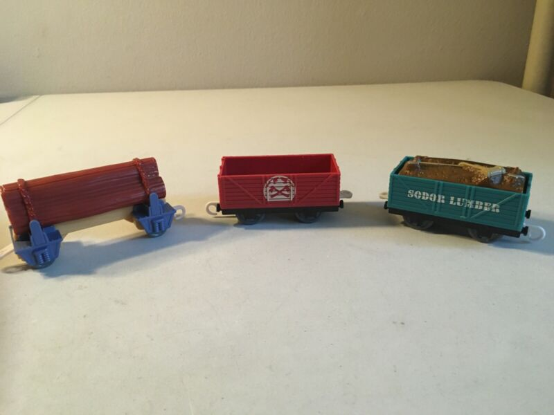 Thomas & Friends Motorized Trackmaster -- 2009 Sodor Lumber Delivery Set (Y8754)