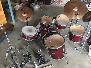 9 piece Evans drum set