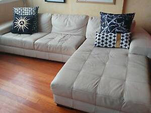 LEATHER CHAISE LOUNGE SOFA COUCH Bondi Beach Eastern Suburbs Preview