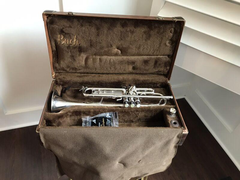 Vintage 1980's Bach Stradivarius 37 Bb Professional Silver Trumpet W/ Case !
