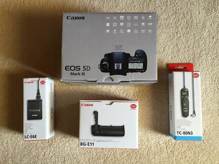 Canon 5D Mark 3 (III) with accessories Endeavour Hills Casey Area Preview