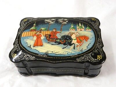 Style Lacquer -  VINTAGE RUSSIAN STYLE BLACK LACQUER ENAMELED BOX ARTIST SIGNED