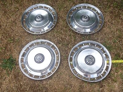 COLLECTABLE VINTAGE/CLASSIC FORD GRANADA/CONSUL CAR WHEEL TRIMS  HUB CAPS..X4