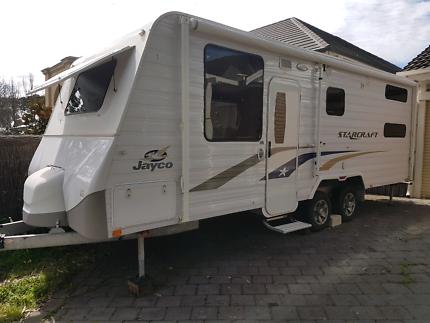 Jayco Starcraft 22.68-1 with bunks