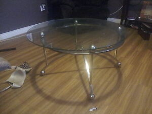 !!!!!!!3 SET BEAUTIFUL GLASS TABLES !!!!!!!