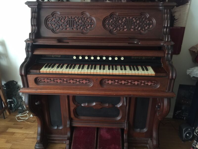 antique Western Cottage Pump Organ