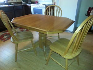 Medium Oak Table with 3 Chairs