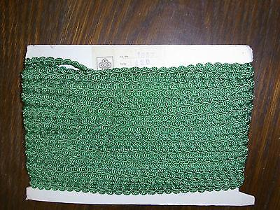 (0,68€/m) grüne Borte / Litze, Höhe ca. 1,2cm 25m auf einer Pappe