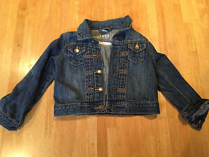 Gap jean jacket size 2t
