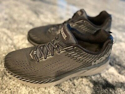 Hoka One One Clifton 5 in black/grey US Men's size 12