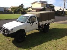2004 Toyota Hilux 3L-TD 4x4 single cab Lakes Entrance East Gippsland Preview