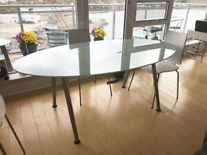 Oval glass table - IKEA