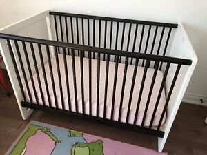 Solid wood baby convertible crib and organic mattress