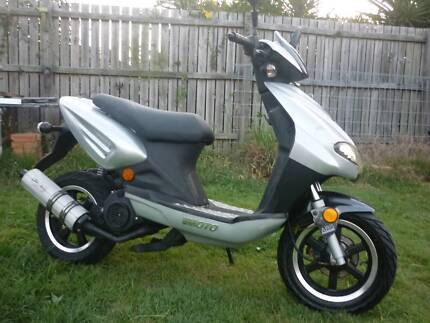 2006 VMOTO 125cc Scooter RWC low kms very good condition Deagon Brisbane North East Preview