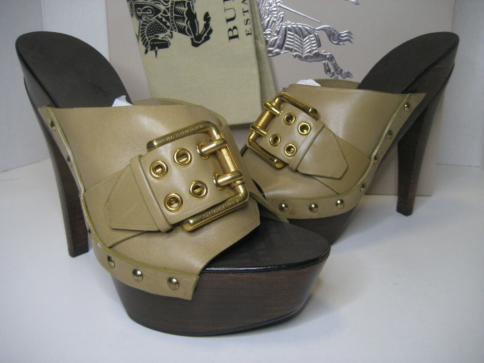 495 NEW Burberry US 75 EU 38 Tan Trench Oversize Buckle Clogs Sandals Shoes BX