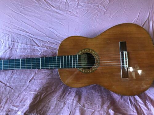 1993 Amalio Burguet 2F Classical Guitar