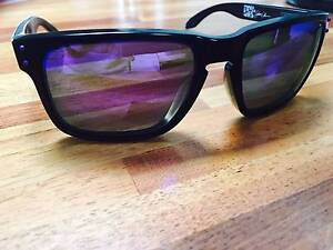 OAKLEY HOLBROOK POLARIZED SUNGLASSES. RRP: $250 NEW! Glandore Marion Area Preview
