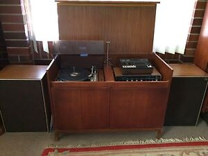 Solid timber cabinet with Vintage stereo turn table Cornubia Logan Area Preview