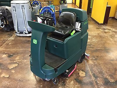 Tennant Nobles Ssr 32 Riding Floor Scrubber