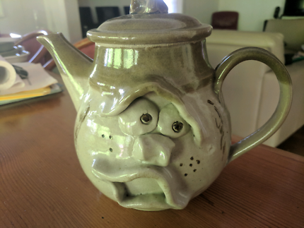 Teapot - pottery 2 litre - with funny face