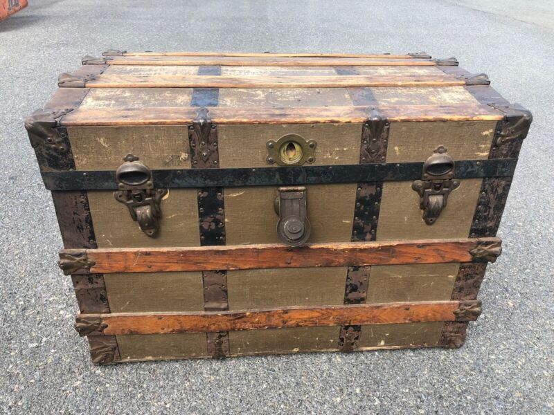 Vintage STEAMER TRUNK w Tray Insert industrial wood chest coffee table brown 320