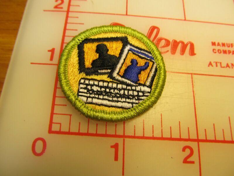 BSA 2010 backed JOURNALISM merit badge emblem patch (rU)