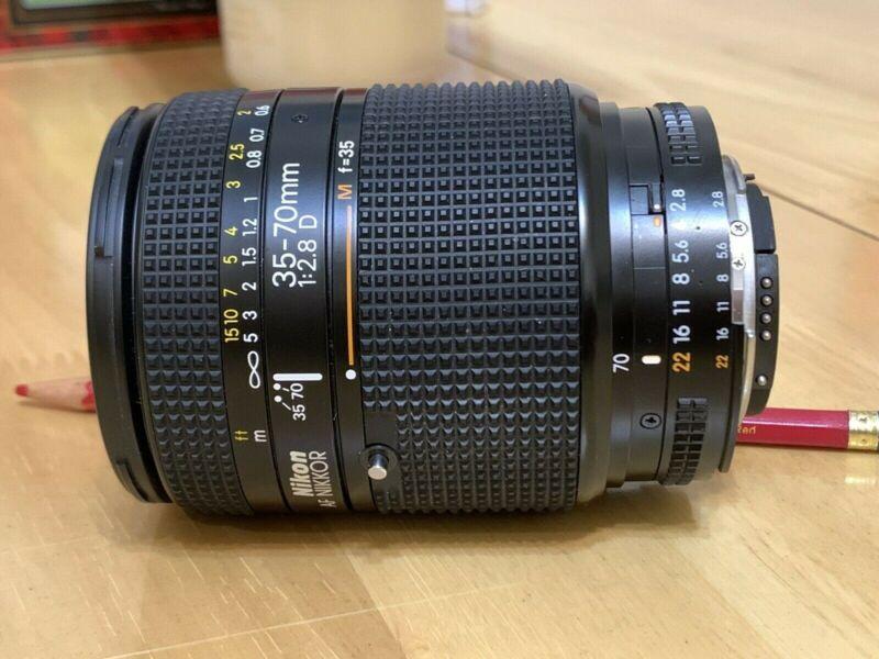 Absolutely MINT Nikon AF Nikkor 35-70mm f/2.8 D Full Frame Zoom Lens 2777
