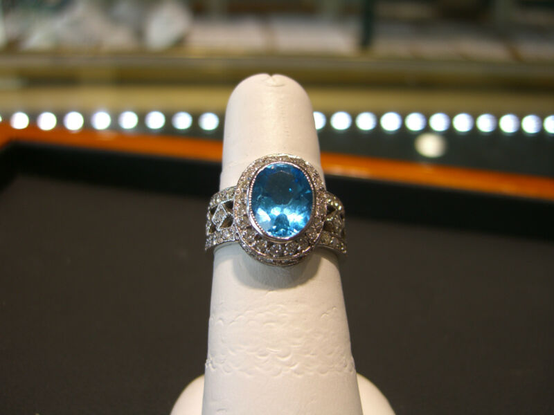 Fine Womens 14 Karat White Gold Diamond And Blue Topaz Ring 4.75 Carats New!!!