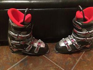Size 28 Salomon performa ski boots (size 10-10 1/2 regular shoe)