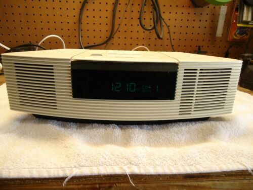 Bose Wave AWRC-1P AM/FM/CD/AUX/ A GRADE / MINT W/BOSE REMOTE & ANTENNA