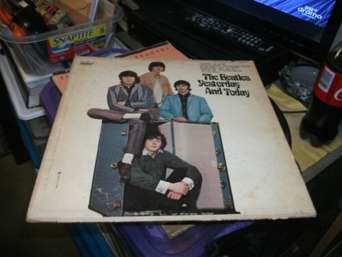THE BEATLES YESTERDAY AND TODAY, LP RECORD, T 2553